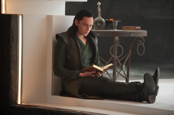 Loki Thor el mundo oscuro