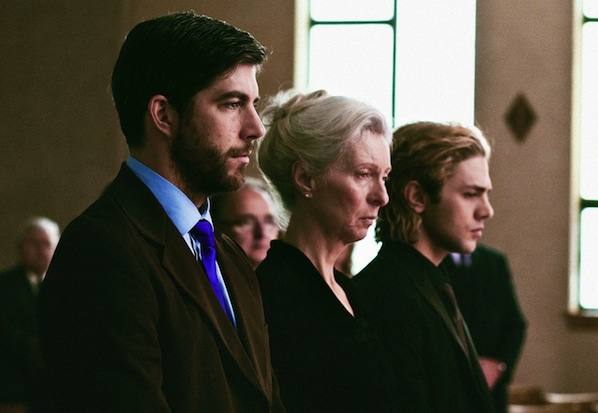 Pierre-Yves Cardinal, Lise Roy og Xavier Dolan in Tom at the Farm