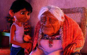 Coco: En tiempos de muros, Pixar traza un puente hacia México [Crítica]